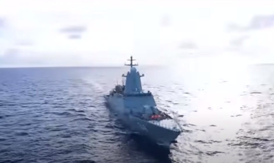 USA varují Čínu a Rusko před proplouváním válečných lodí  úžinami